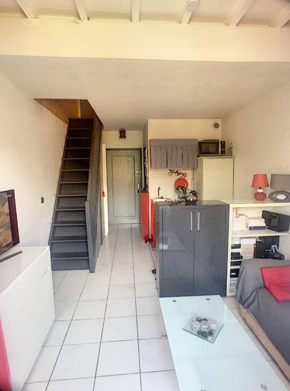 Appartement à vendre 2 30m2 à Villeneuve-Loubet vignette-2
