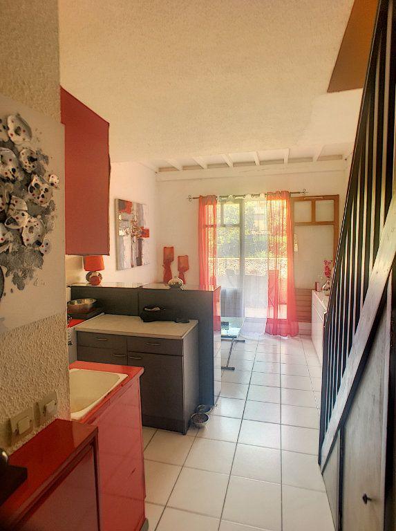 Appartement à vendre 2 30m2 à Villeneuve-Loubet vignette-3