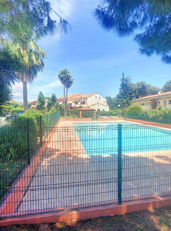 Appartement à vendre 2 30m2 à Villeneuve-Loubet vignette-9