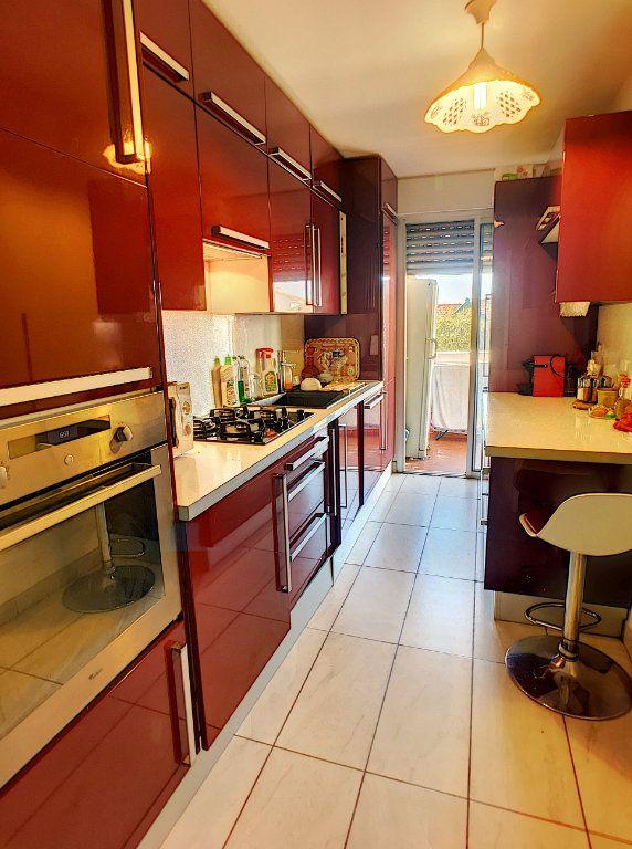 Appartement à vendre 4 86m2 à Cagnes-sur-Mer vignette-3