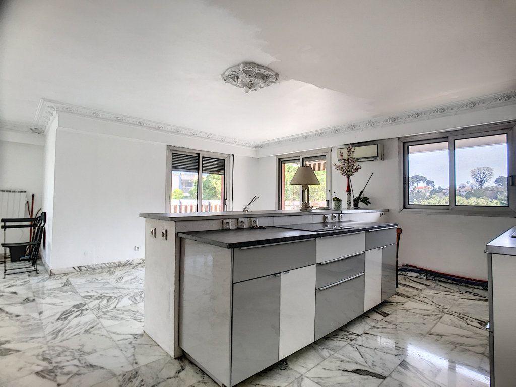 Appartement à vendre 4 110m2 à Cagnes-sur-Mer vignette-2