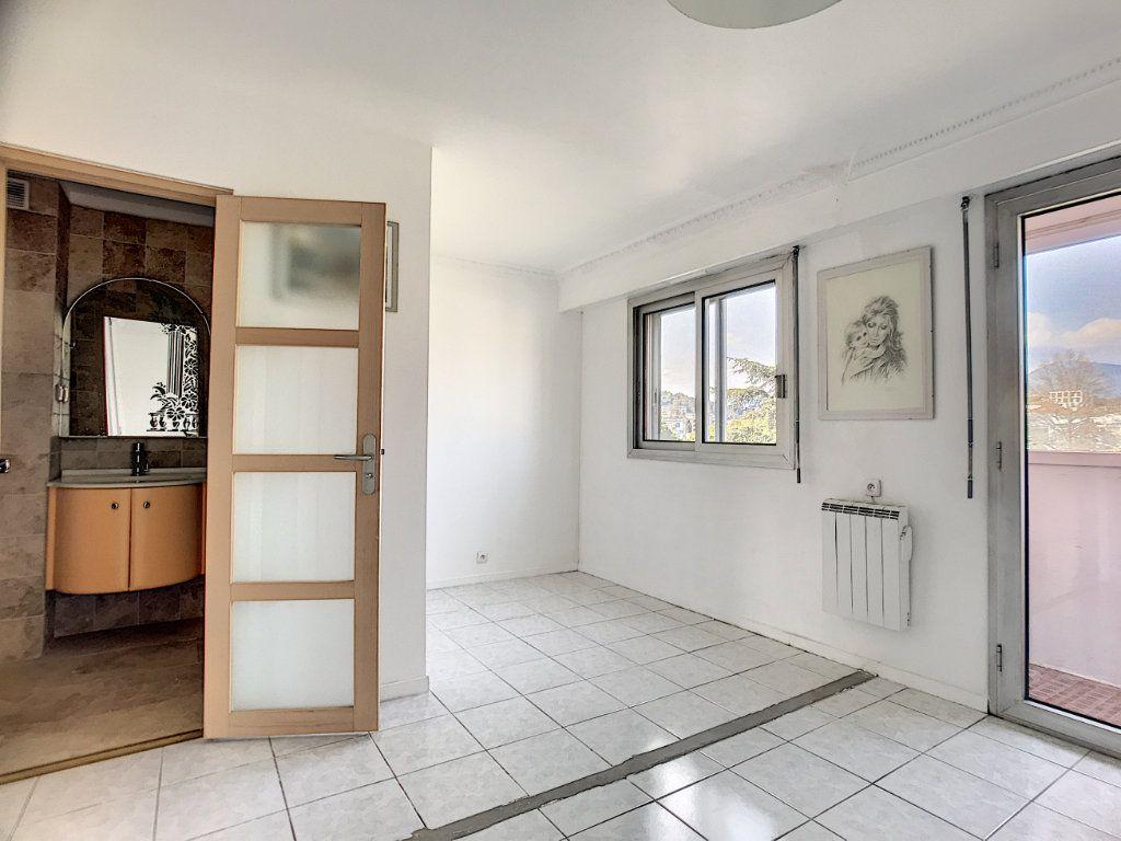 Appartement à vendre 4 110m2 à Cagnes-sur-Mer vignette-10