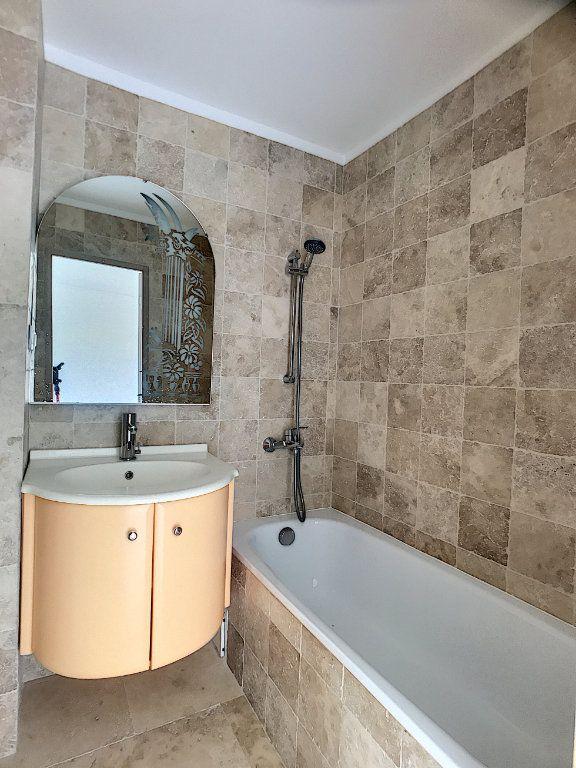 Appartement à vendre 4 110m2 à Cagnes-sur-Mer vignette-11