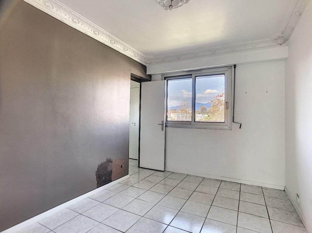 Appartement à vendre 4 110m2 à Cagnes-sur-Mer vignette-14