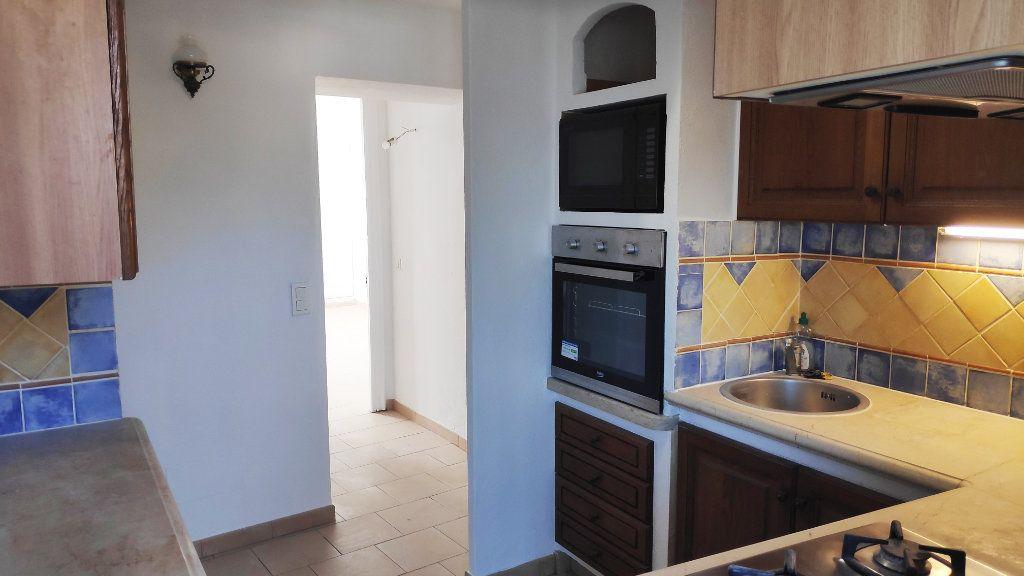 Appartement à louer 3 59m2 à Vence vignette-2