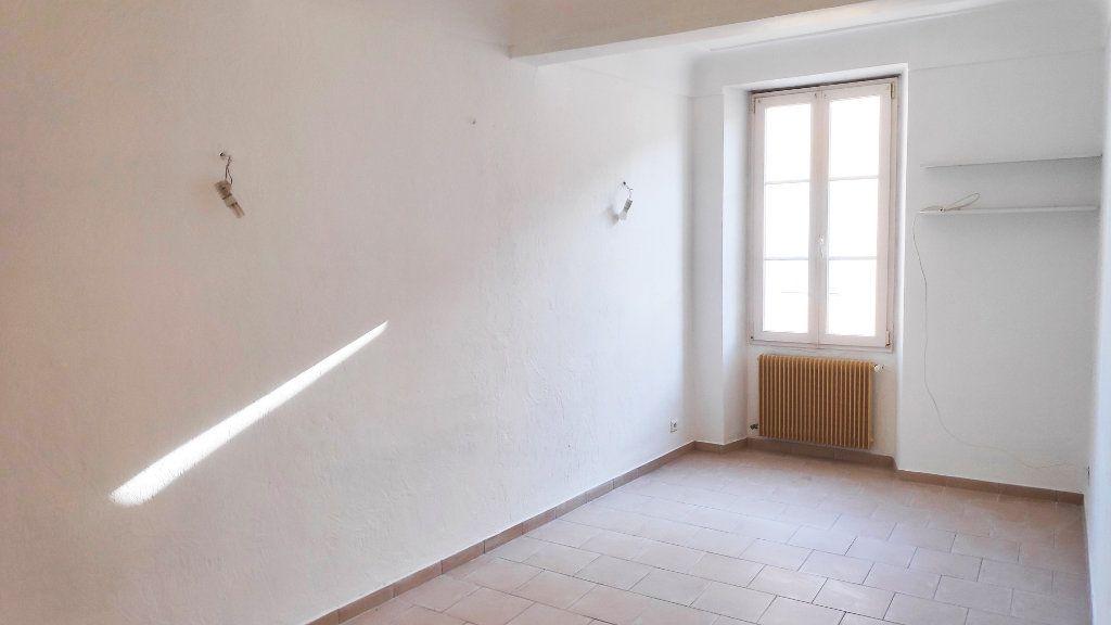 Appartement à louer 3 59m2 à Vence vignette-4