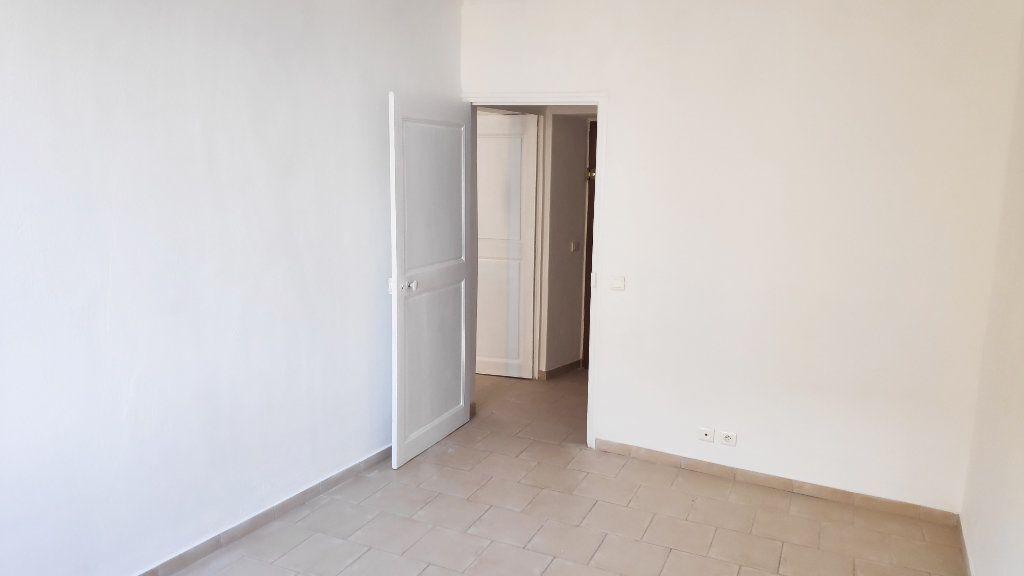 Appartement à louer 3 59m2 à Vence vignette-5