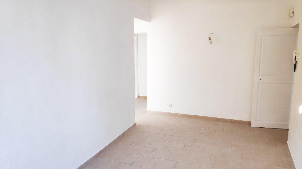 Appartement à louer 3 59m2 à Vence vignette-7