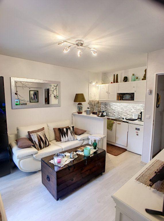 Appartement à vendre 2 27m2 à Villeneuve-Loubet vignette-4