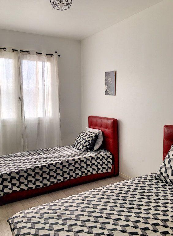 Appartement à vendre 4 81m2 à Cagnes-sur-Mer vignette-5