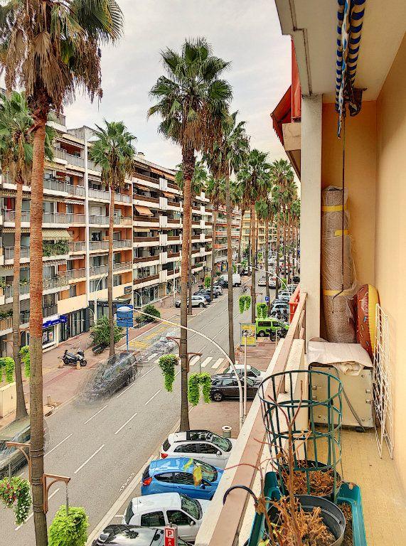 Appartement à vendre 4 81m2 à Cagnes-sur-Mer vignette-9