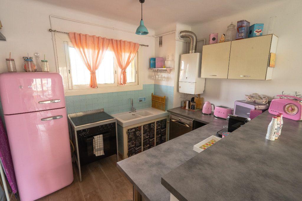 Appartement à vendre 2 50m2 à Antibes vignette-4