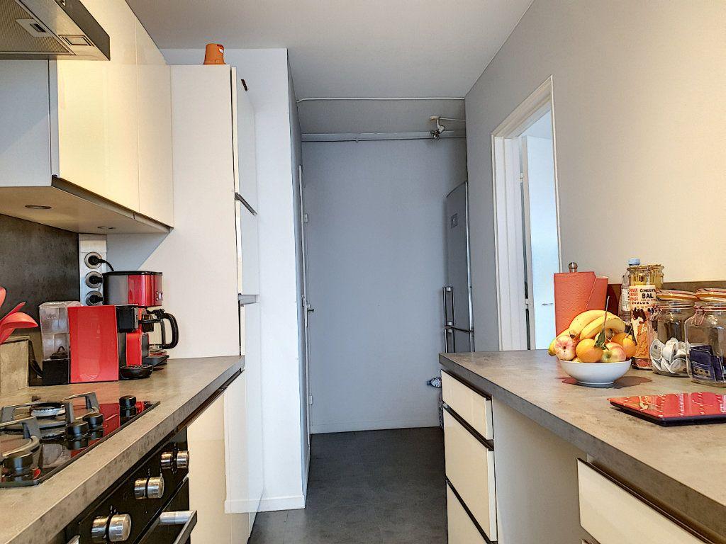 Appartement à vendre 3 76.12m2 à Nice vignette-8