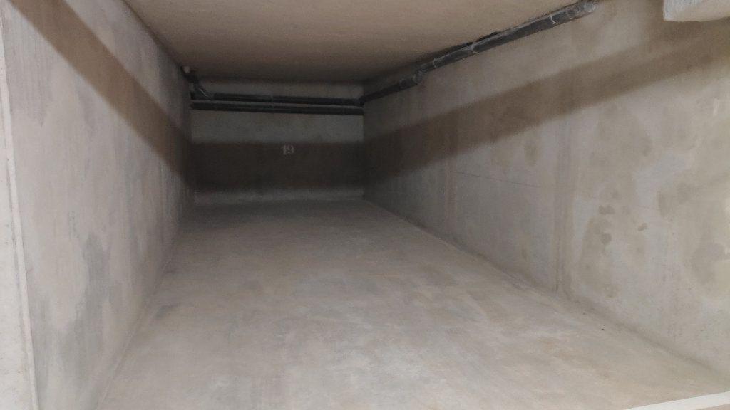Appartement à louer 3 68m2 à Saint-Laurent-du-Var vignette-9