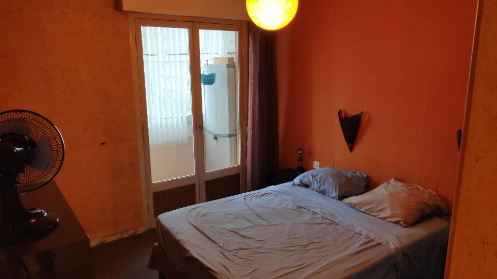 Appartement à louer 3 60m2 à Saint-Laurent-du-Var vignette-4