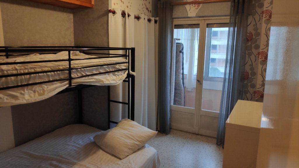Appartement à louer 3 60m2 à Saint-Laurent-du-Var vignette-6