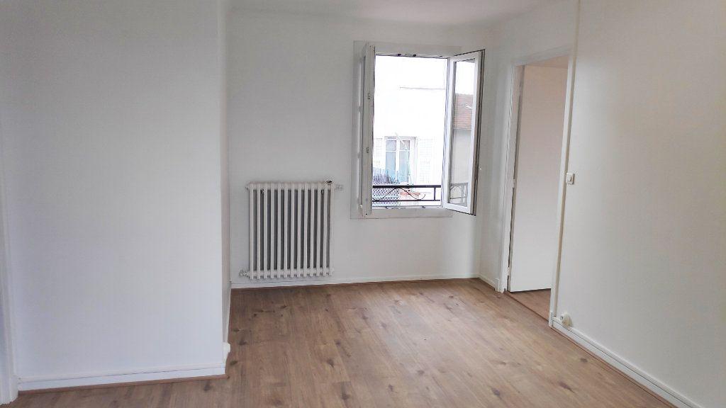 Appartement à louer 2 42m2 à Saint-Laurent-du-Var vignette-2