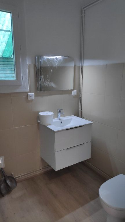Appartement à louer 2 42m2 à Saint-Laurent-du-Var vignette-5
