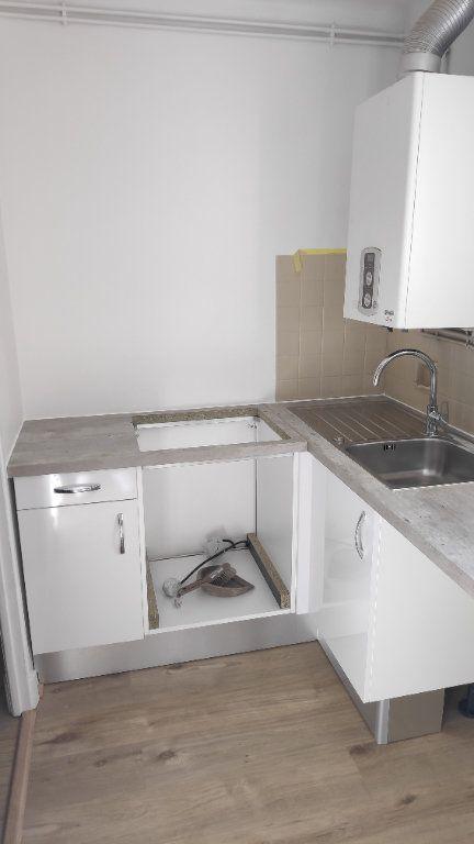 Appartement à louer 2 42m2 à Saint-Laurent-du-Var vignette-6
