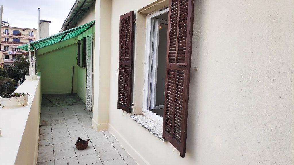 Appartement à louer 2 42m2 à Saint-Laurent-du-Var vignette-9