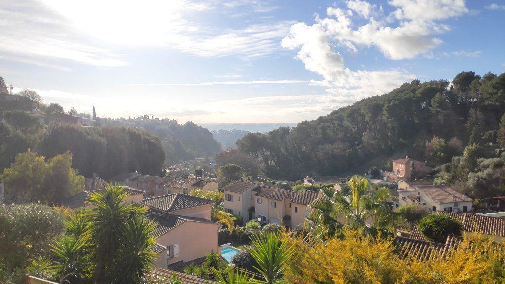 Maison à louer 4 95m2 à Cagnes-sur-Mer vignette-1