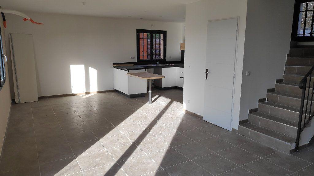 Maison à louer 4 95m2 à Cagnes-sur-Mer vignette-3