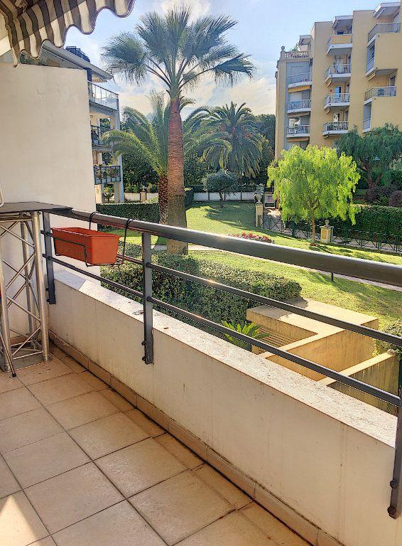 Appartement à vendre 1 32m2 à Cagnes-sur-Mer vignette-1