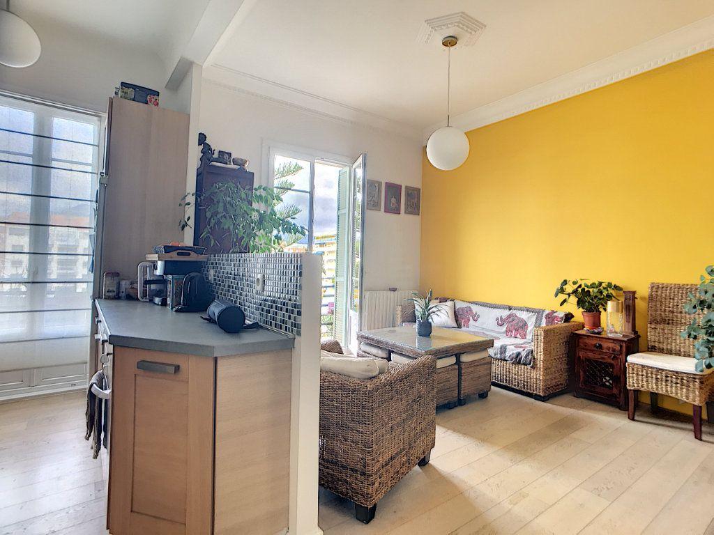 Appartement à vendre 2 58m2 à Nice vignette-4