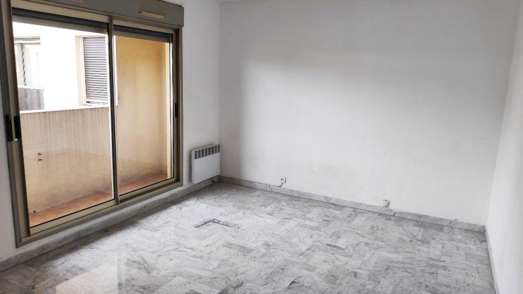 Appartement à louer 2 37m2 à Cagnes-sur-Mer vignette-1