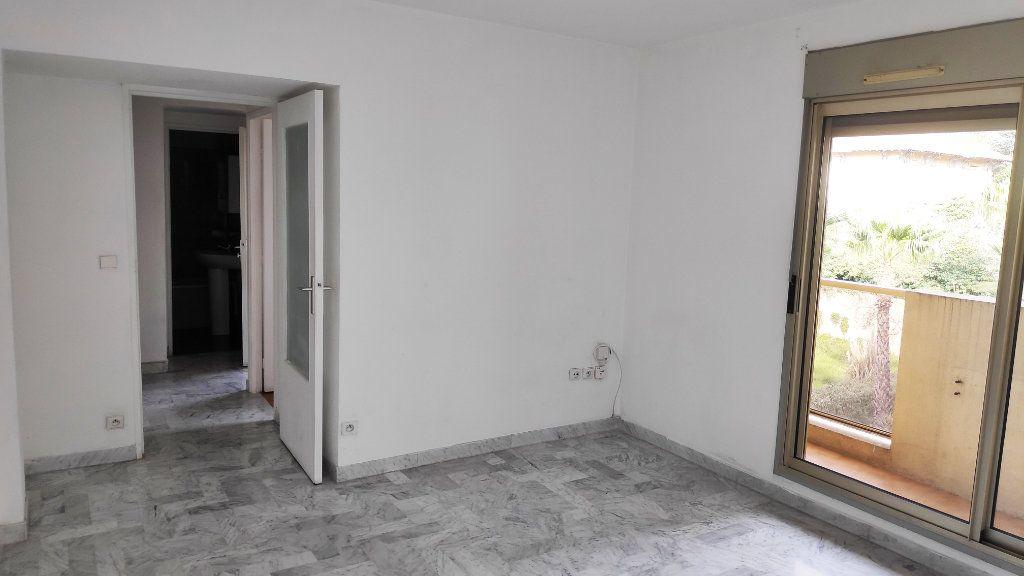Appartement à louer 2 37m2 à Cagnes-sur-Mer vignette-2