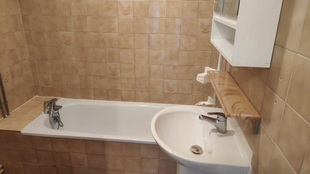 Appartement à louer 2 37m2 à Cagnes-sur-Mer vignette-4