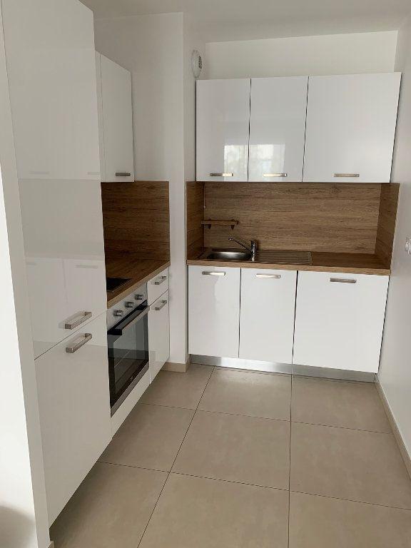 Appartement à louer 2 42m2 à Mandelieu-la-Napoule vignette-4