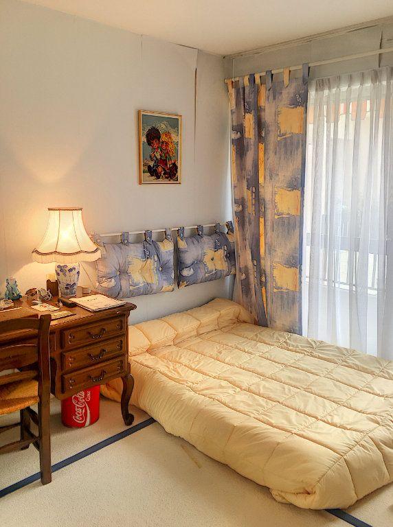 Appartement à vendre 5 125m2 à Villeneuve-Loubet vignette-9