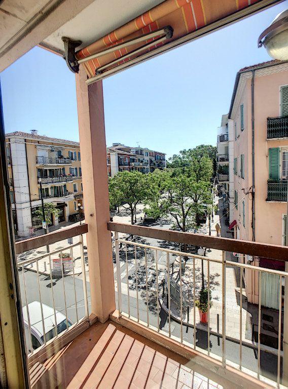 Appartement à vendre 3 75m2 à Cagnes-sur-Mer vignette-1