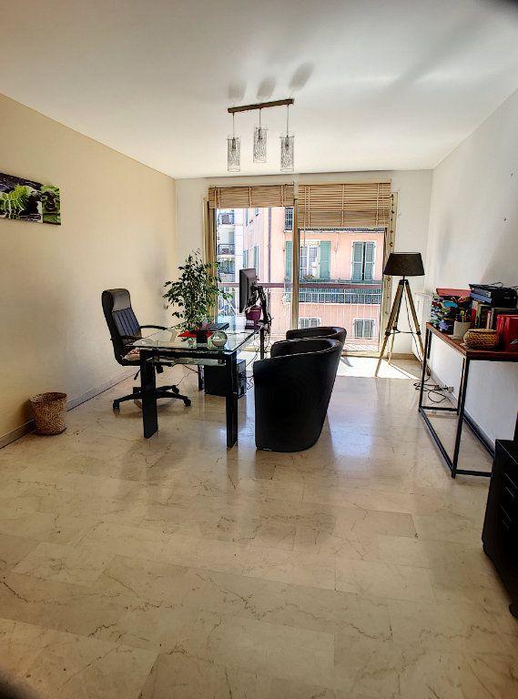 Appartement à vendre 3 75m2 à Cagnes-sur-Mer vignette-3