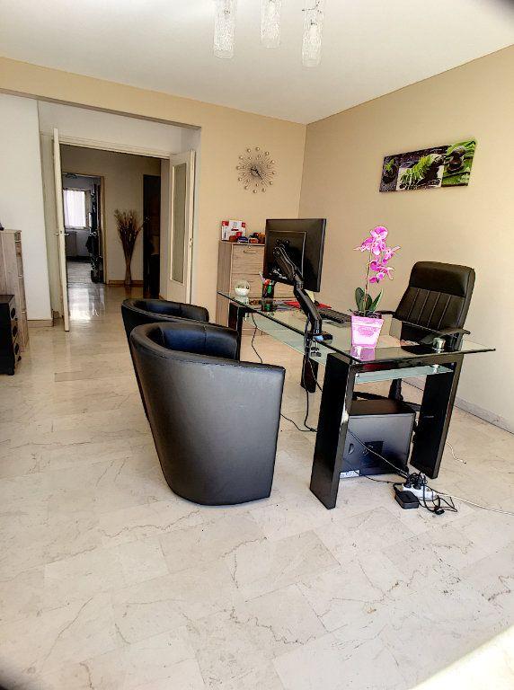Appartement à vendre 3 75m2 à Cagnes-sur-Mer vignette-4