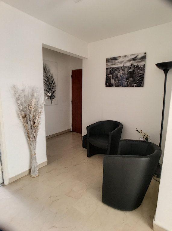 Appartement à vendre 3 75m2 à Cagnes-sur-Mer vignette-6