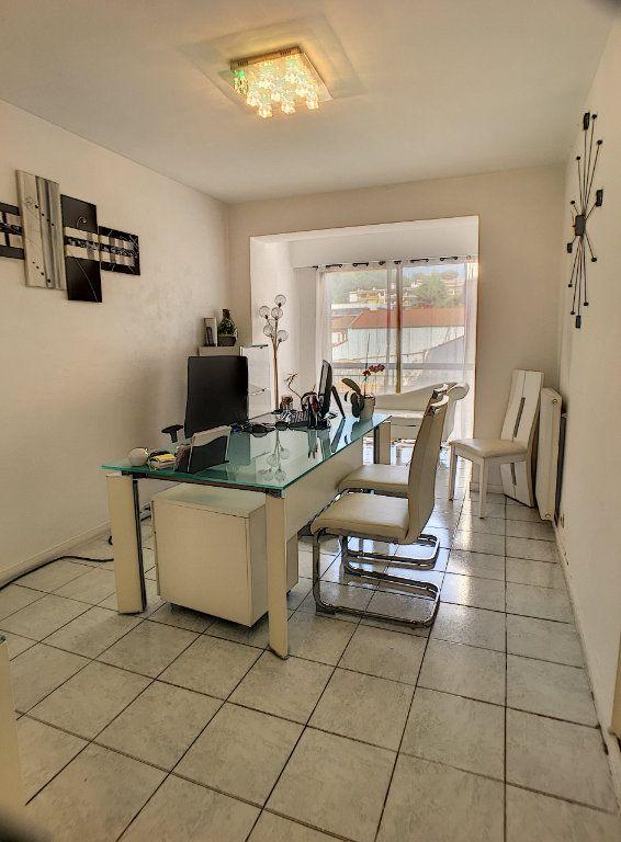 Appartement à vendre 3 75m2 à Cagnes-sur-Mer vignette-7