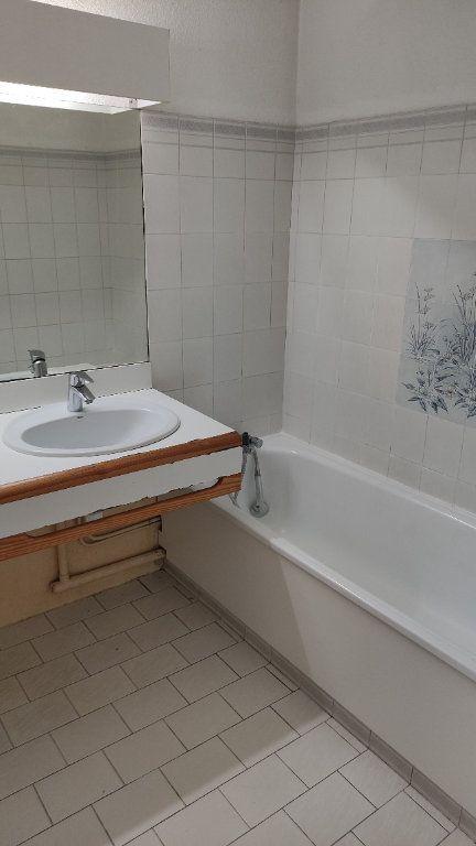 Appartement à louer 2 48m2 à Saint-Laurent-du-Var vignette-6