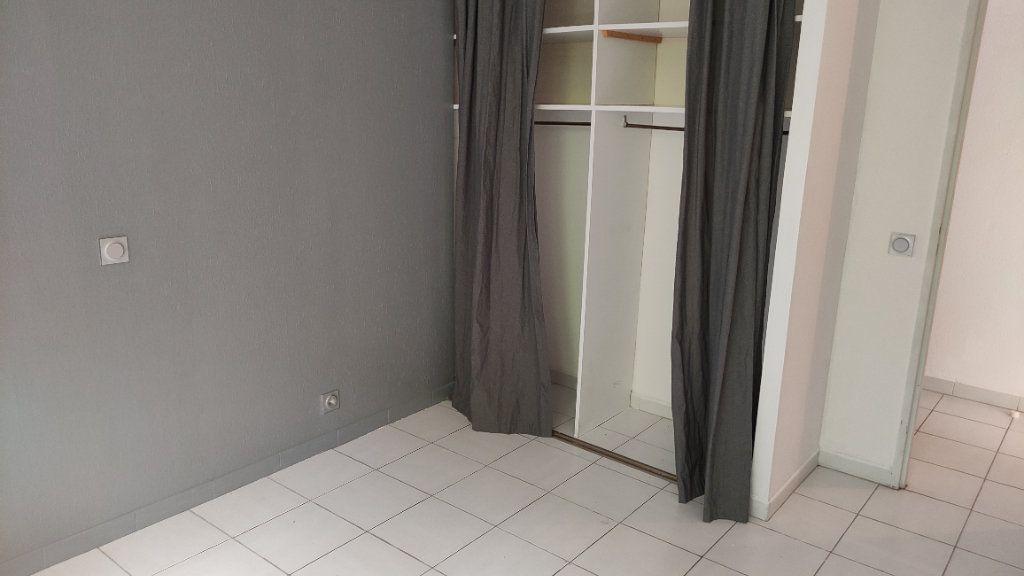 Appartement à louer 2 48m2 à Saint-Laurent-du-Var vignette-8