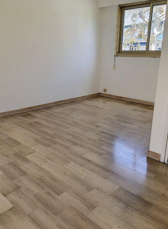Appartement à vendre 1 28m2 à Cagnes-sur-Mer vignette-2