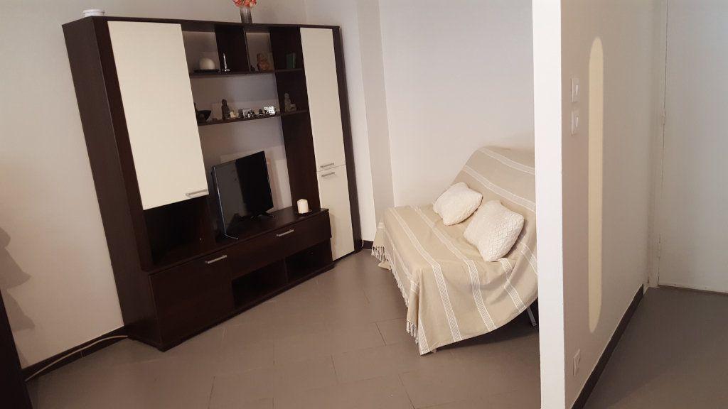 Appartement à vendre 1 29m2 à Cagnes-sur-Mer vignette-7