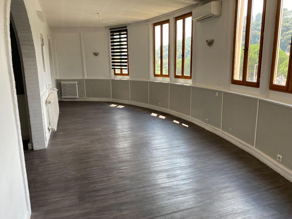 Appartement à vendre 4 114m2 à Cagnes-sur-Mer vignette-1