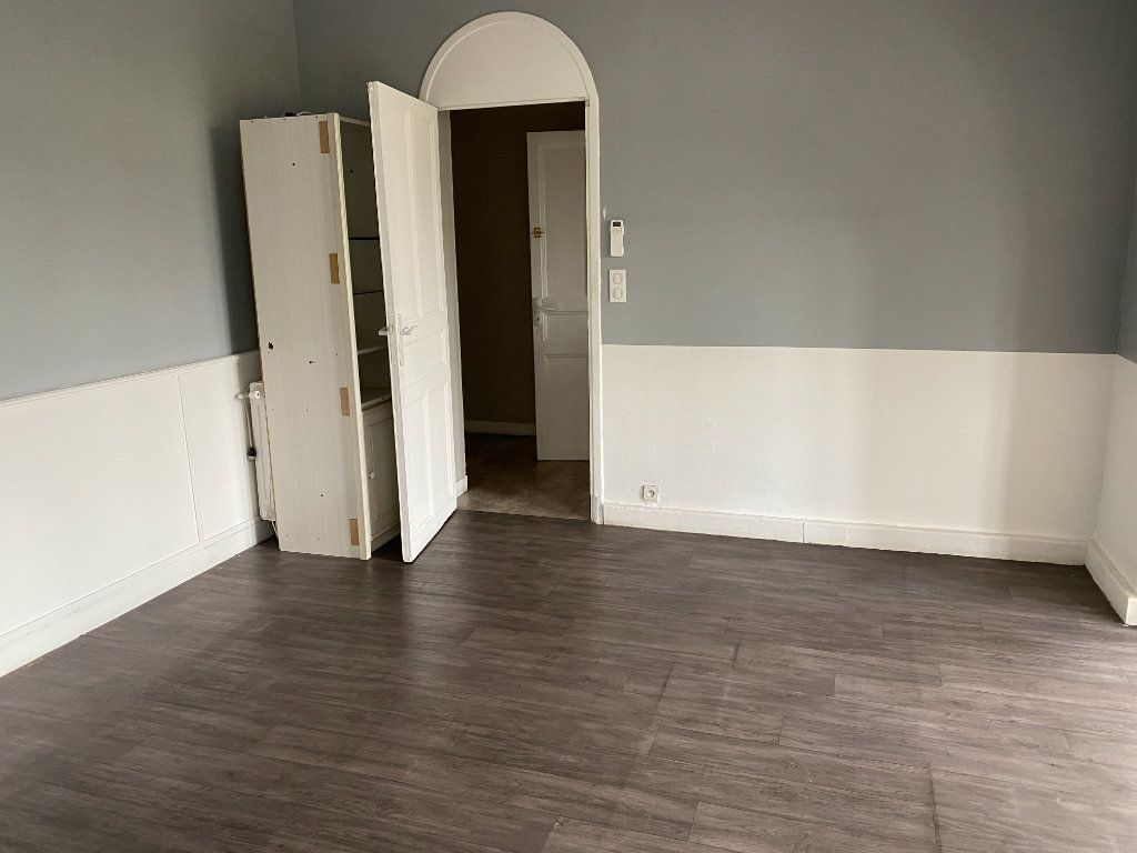 Appartement à vendre 4 114m2 à Cagnes-sur-Mer vignette-2