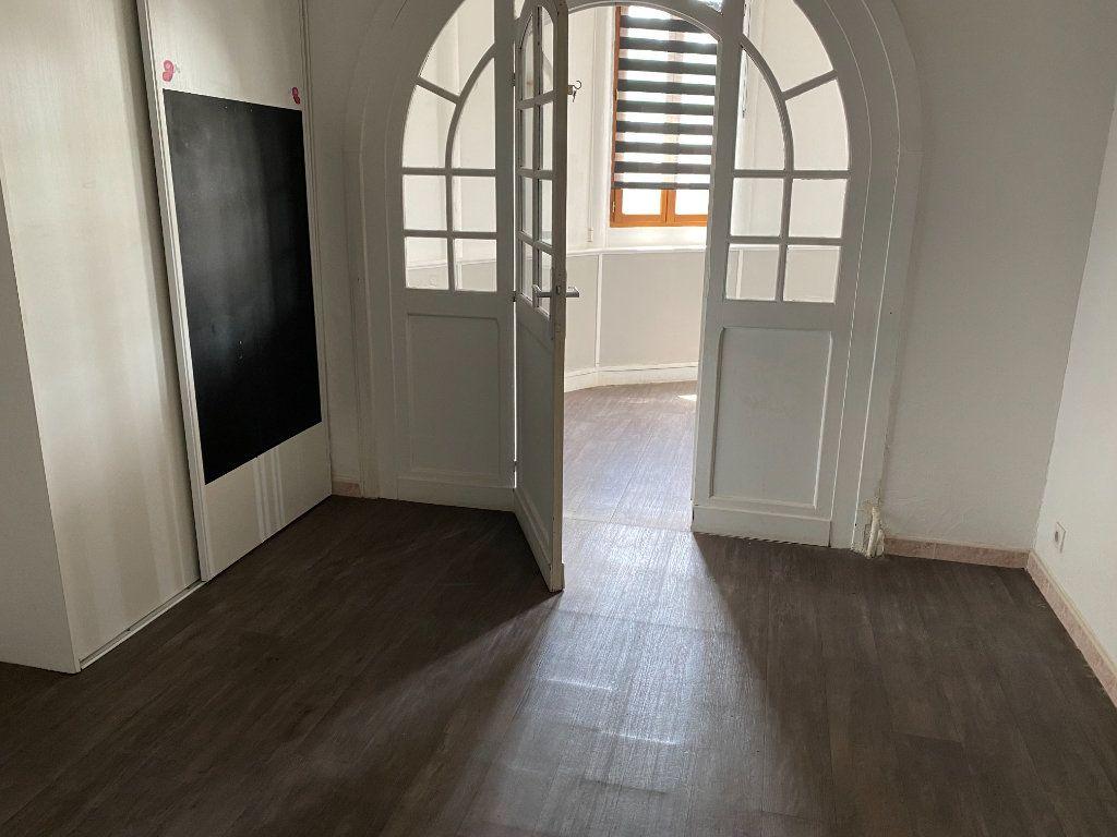 Appartement à vendre 4 114m2 à Cagnes-sur-Mer vignette-8