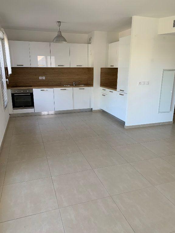 Appartement à louer 3 64.04m2 à Mandelieu-la-Napoule vignette-2
