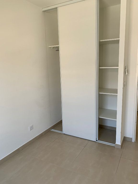 Appartement à louer 3 64.04m2 à Mandelieu-la-Napoule vignette-5