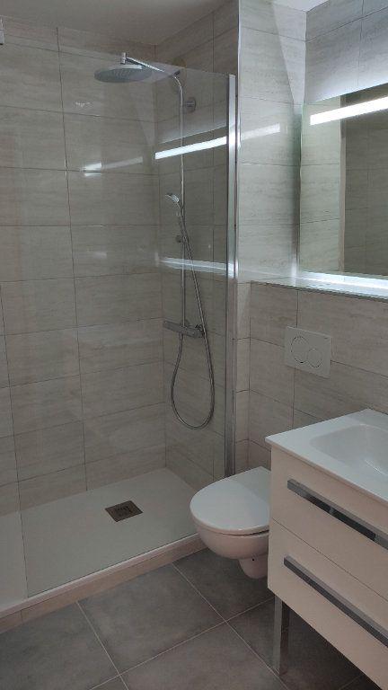 Appartement à louer 1 30m2 à Cagnes-sur-Mer vignette-6