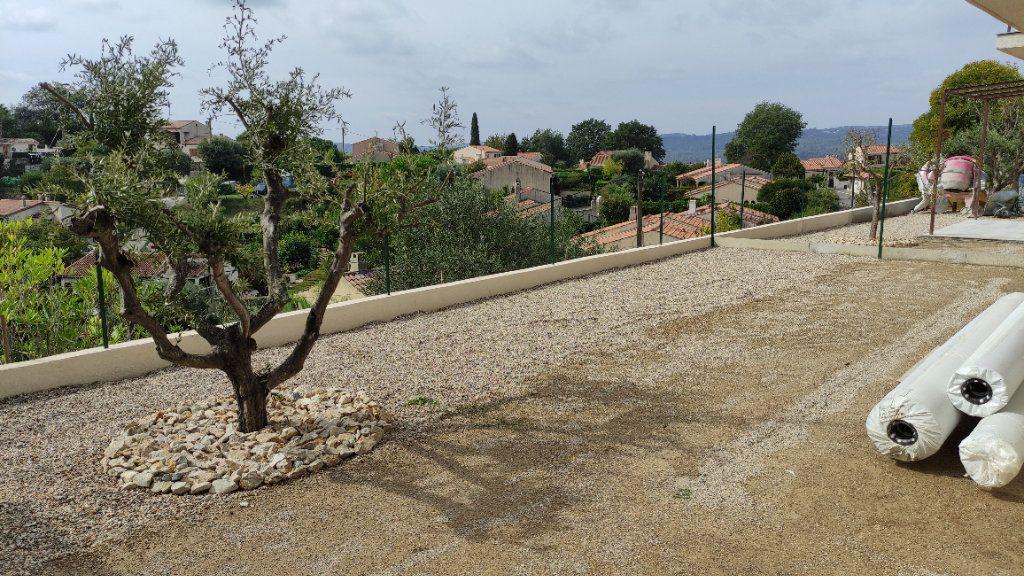 Maison à louer 4 92m2 à Cagnes-sur-Mer vignette-7