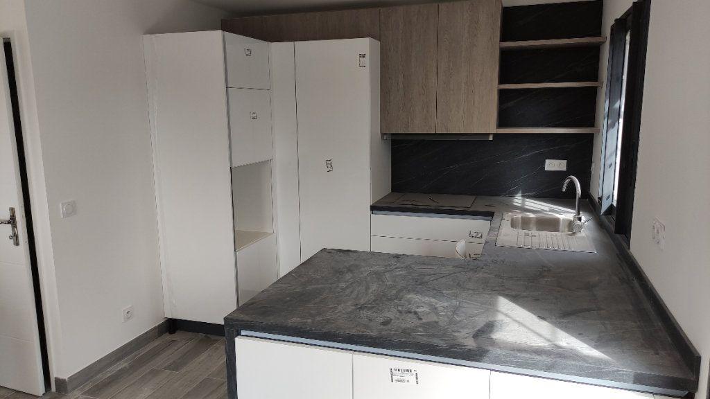 Maison à louer 4 92m2 à Cagnes-sur-Mer vignette-8